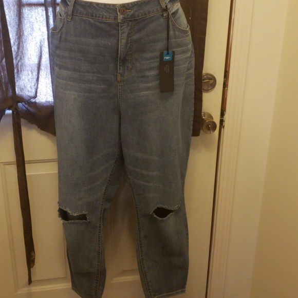 7786b473d4b Plus Size Rue21 Uber High Rise Ripped Knee Jegging